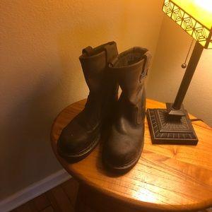 Women's steel toed boots